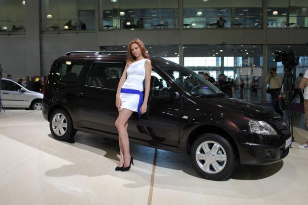 Главным претендентом на звание «Автомобиль года» становится Lada Largus