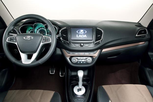 Интерьер Lada Vesta - приборная панель